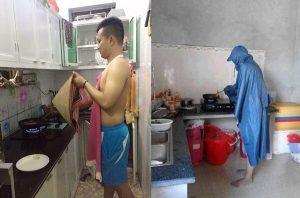Họ dùng áo mưa để thay thế áo giáp khi trổ tài vào bếp nấu ăn.