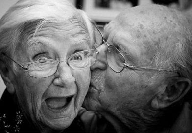 Mộng thấy bà nội bà ngoại là điềm báo gì