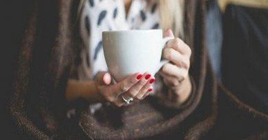 Tác dụng của trà xanh và cà phê, loại nào tốt?