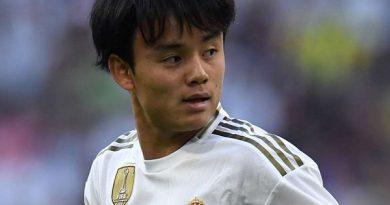 """Chuyển nhượng 9/8: Real đẩy """"Messi Nhật"""" sang đội của Ro""""béo""""?"""