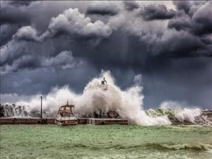 Nằm mơ thấy bão đánh lô tô miền bắc khả năng trúng lớn