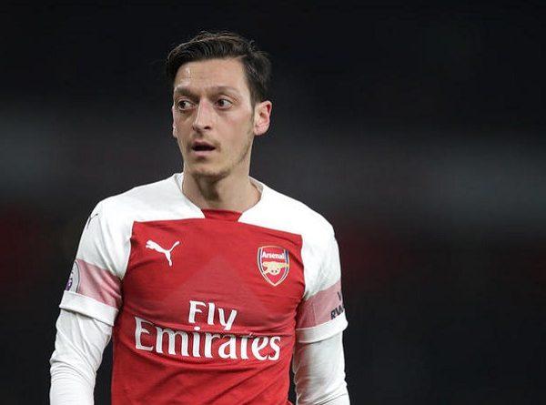 Tin Arsenal 22/4: BLĐ yêu cầu, Ozilvẫn không chịu giảm lương