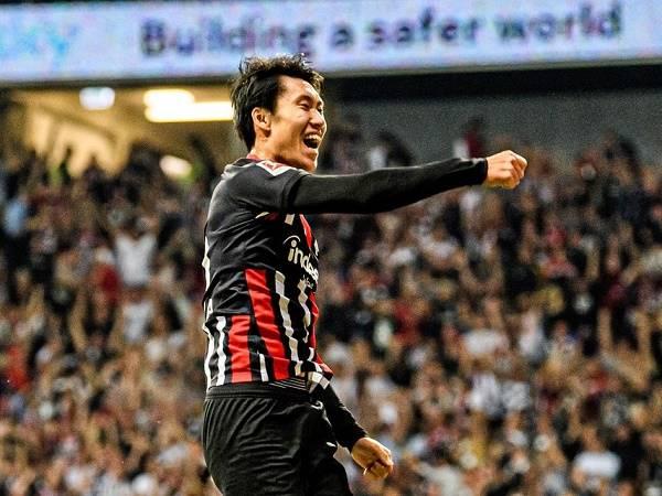 Tin bóng đá Đức 26/5: Frankfurt quyết trói chân Kamada