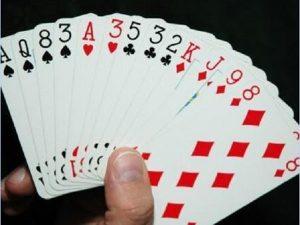 Các quy định cơ bản khi chơi bài