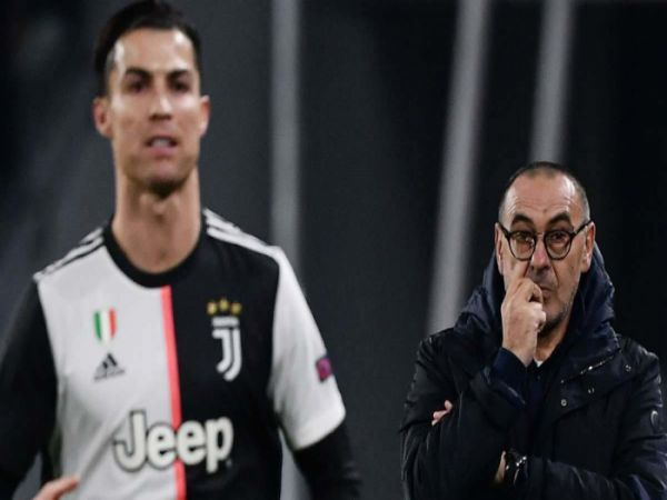 HLV Sarri chỉ đích danh Ronaldo đá kém