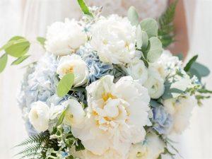 Màu hoa cưới mang lại may mắn cho tuổi Tý