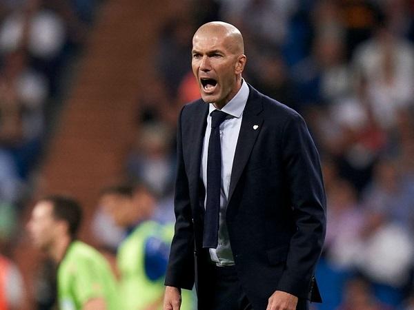 Tin bóng đá tối 19/10: Zidane đối mặt với sự khó chịu từ BLĐ Real Madrid