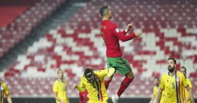 Bóng đá tổng hợp 26/11: Ronaldo cân bằng kỉ lục mọi thời đại của Puskas