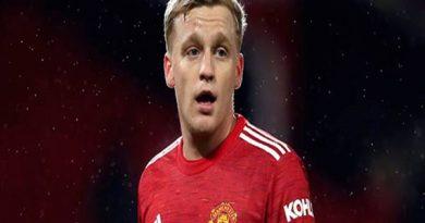 Tin bóng đá chiều 1/4: Juve muốn dùng Rabiot đổi lấy Van de Beek